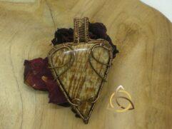 Pendentif aragonite triangulaire vintage